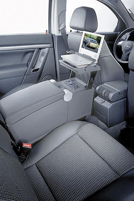 W Mega Opel Signum Zielony Smok - Travel Assistant, czyli mocowanie YP69