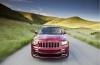 Jeep Grand Cherokee SRT8 2012 - przód - reflektory włączone