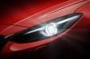 Mazda 3 III hatchback (2014) - lewy przedni reflektor - włączony