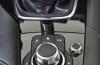 Mazda 3 III hatchback (2014) - tunel środkowy między fotelami