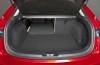Mazda 3 III hatchback (2014) - tylna kanapa złożona, widok z bagażnika