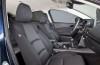 Mazda 3 III hatchback (2014) - widok ogólny wnętrza z przodu