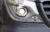 Mercedes Sprinter Facelifting (2014) - prawy przedni reflektor - włączony